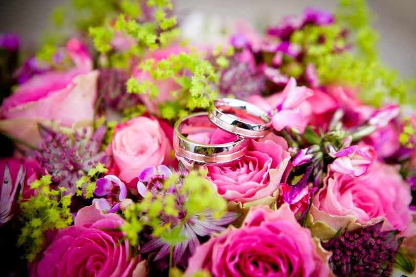 flowers-wedding-wedding-rings-bouquet-59948.jpeg